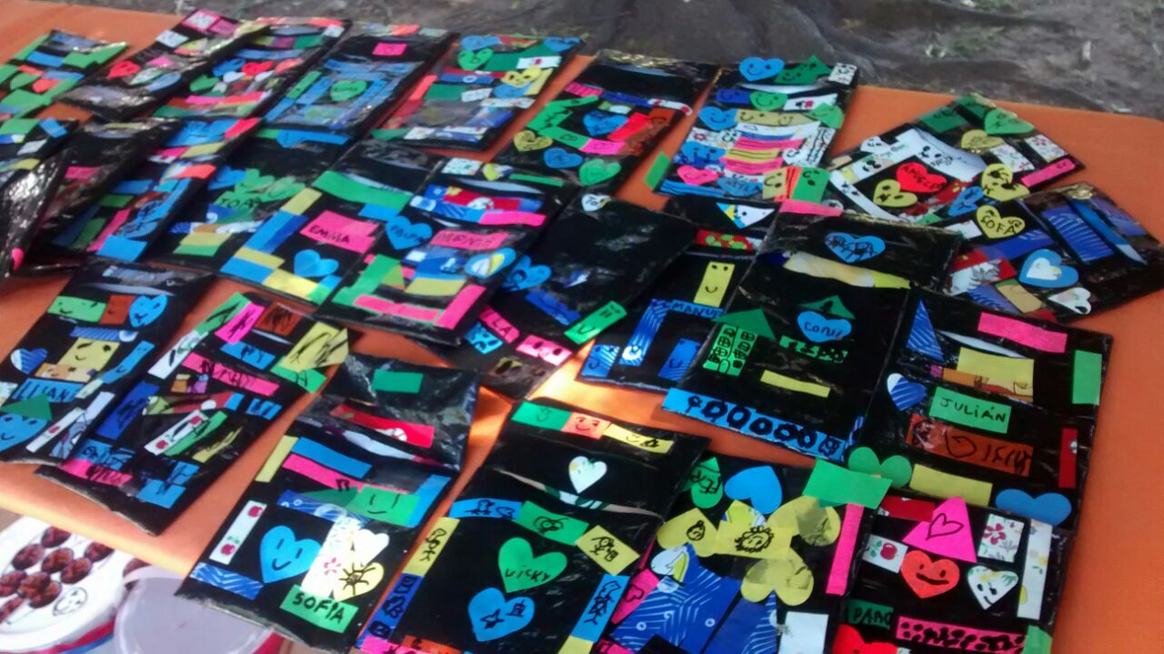 Nivel inicial expo arte con mucho color colegio for Sala 9 de julio